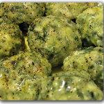 Malfatti di ricotta e spinaci (o radicchio) conditi con limone e salvia