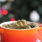 Zuppa di verdure con cavolo nero servita in cocotte