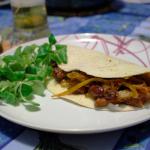 """Tortilla con """"chili"""" vegetariano"""