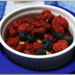 Crème brulèe ai frutti di bosco (con crema inglese)