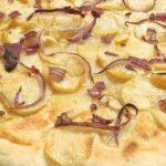 Pizza patate e cipolle con licoli