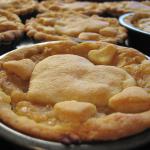 Crostatine alle nocciole farcite con confettura di mele