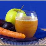 Succo di frutta e verdura: susine, mele, carote