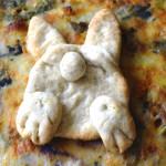 Torta con base di grano saraceno e... coniglietto.